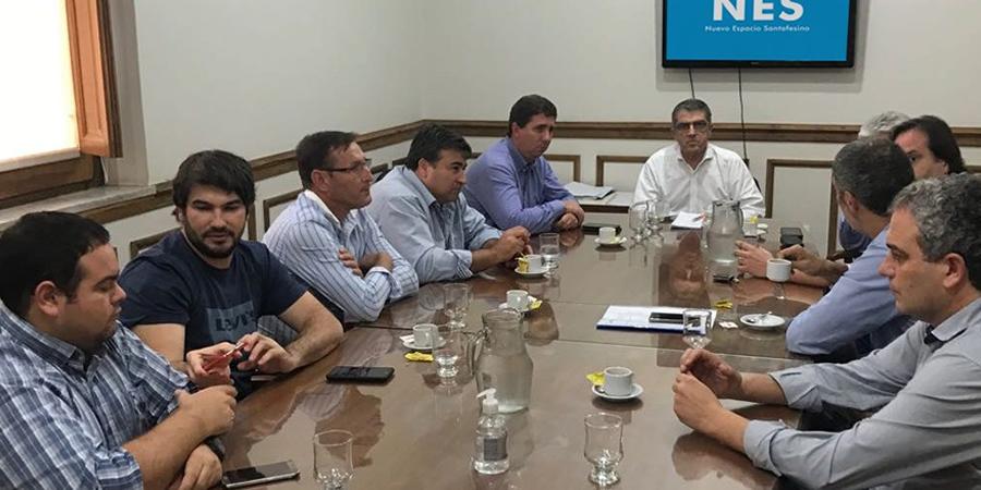Presidentes comunales y Senadores del Nuevo Espacio Santafesino (NES) reunidos ante la baja en la coparticipación nacional.
