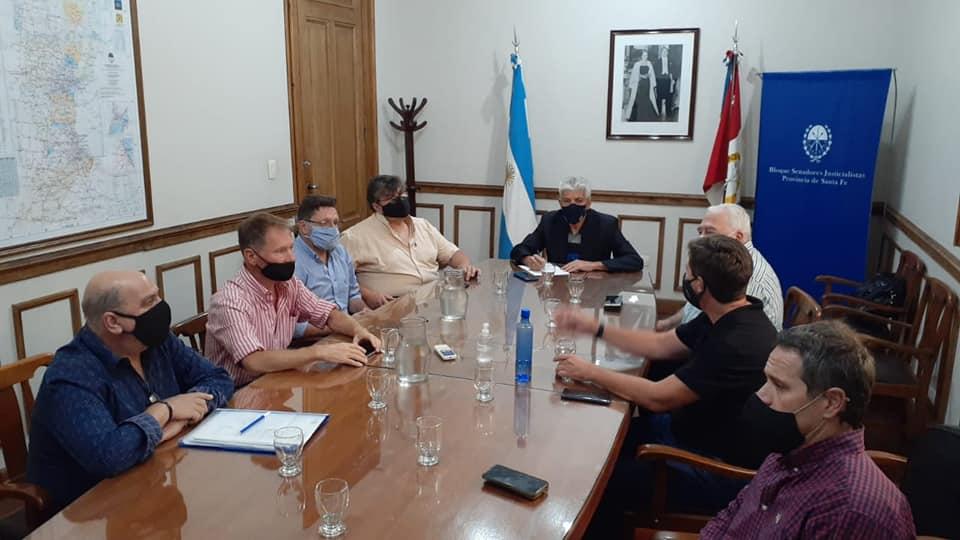Baucero y legisladores del NES recibieron a representantes de empresas y asociaciones de transporte de pasajeros.