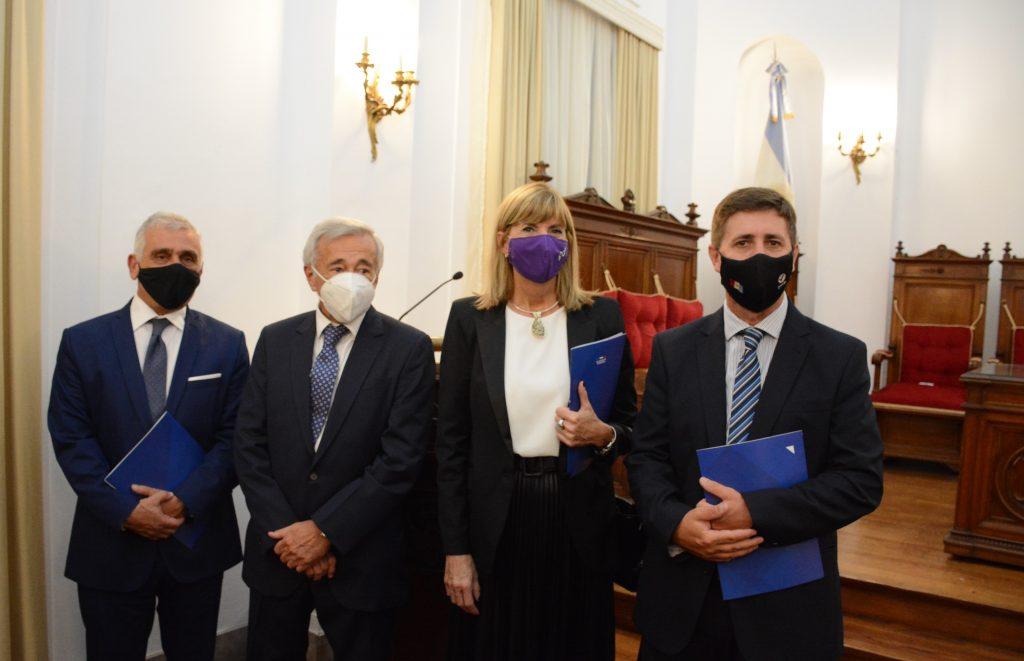Alejandra Rodenas participó del acto oficial de apertura del año judicial en Santa Fe
