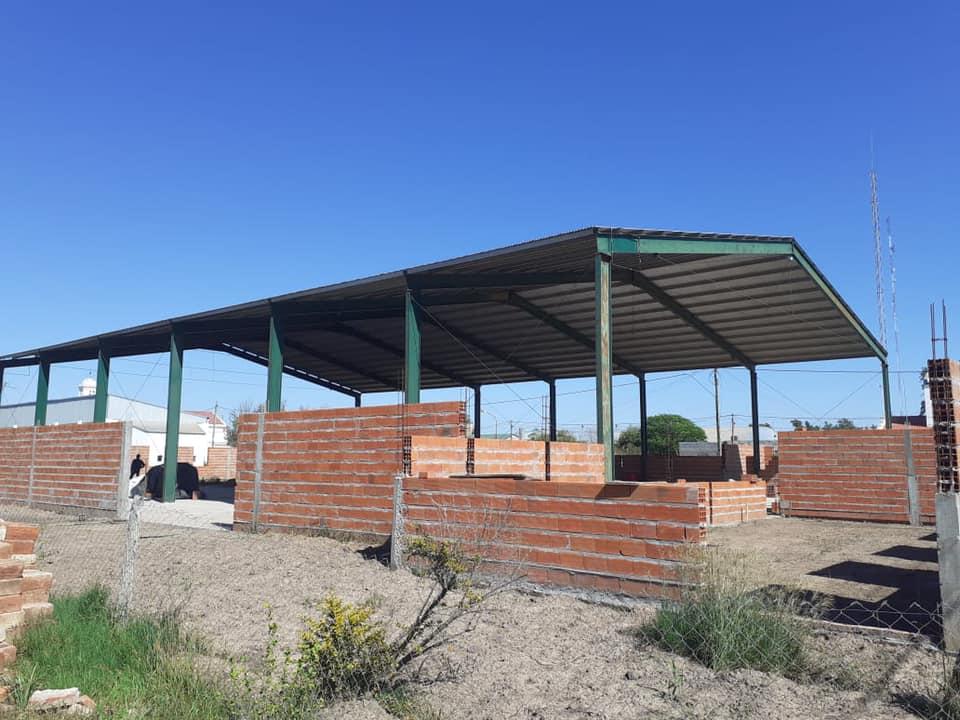 Gramajo celebró los avances en obras de instituciones de Villa Minetti y Pozo Borrado